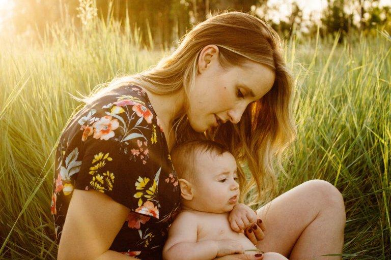 Jak dbać o emocjonalny rozwój dziecka w pierwszym roku życia?