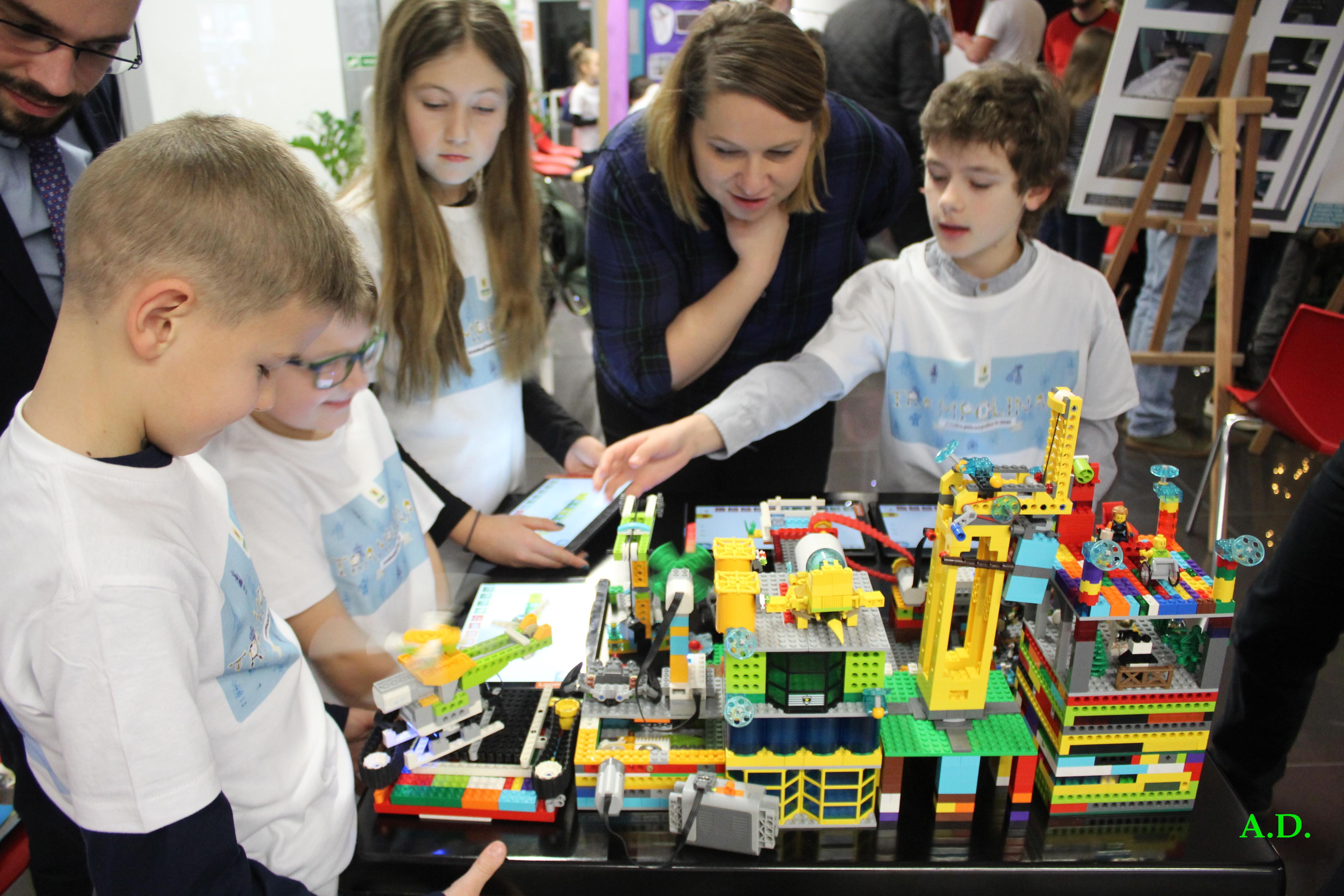 Turniej First Lego League po raz pierwszy w Krakowie - sprowadź zajęcia do szkoły Twojego dziecka!